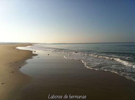 Son playas interminables, de arena superfina y agua cristalina.